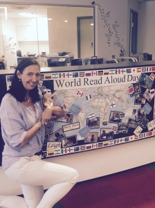 Ali Stegert & Little Meerkat visit a school library for #WRAD15